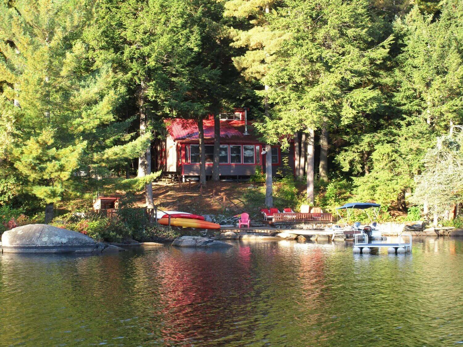 Lakeside Cottage On Trout Lake White Pillars Lodging